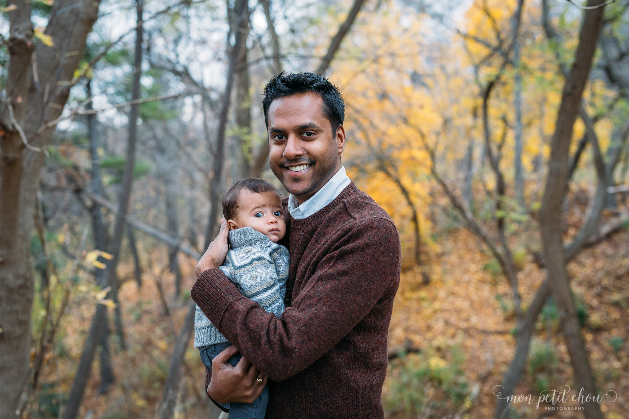 Fall photo in High Park with baby and dad